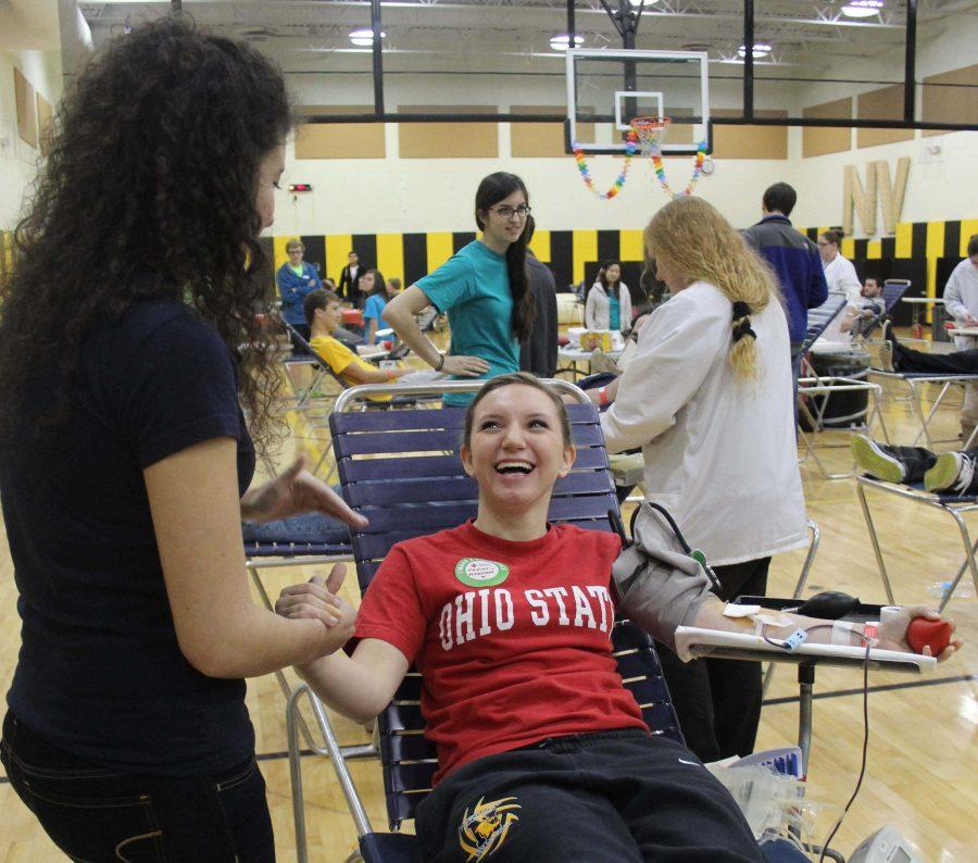 JUNIOR+TAYLOR+MESSINGER+steels+herself+to+give+blood+for+the+first+time.+I+was+completely+mortified%2C+but+Im+glad+I+helped+a+good+cause%2C+Messinger+said.
