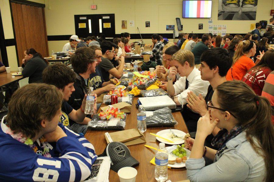 Seniors+attend+breakfast