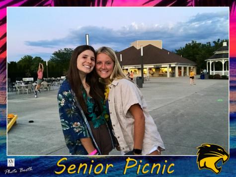 Picnic Kicks Off Senior Year